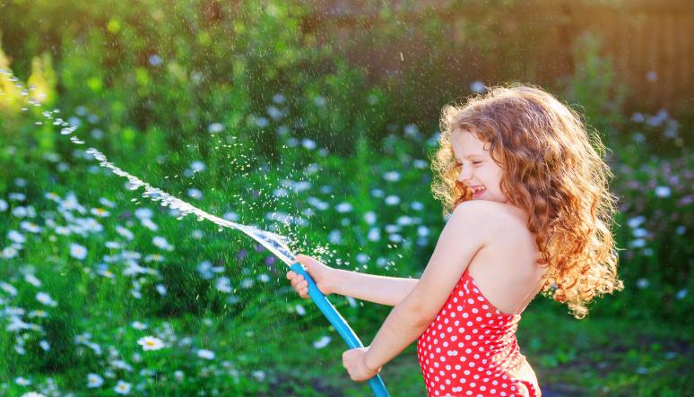 Zabavte deti na zahrade